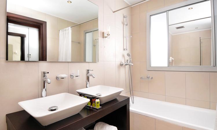 kosten badkamer plafond: sydati stuc plafond badkamer laatste, Badkamer