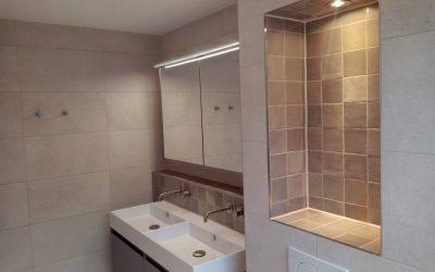 Badkamervloer tegelen – Badkamer tegelen Afl. 2